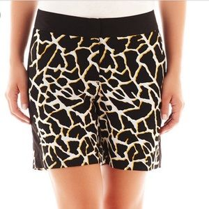 Worthington giraffe print shorts sz 12